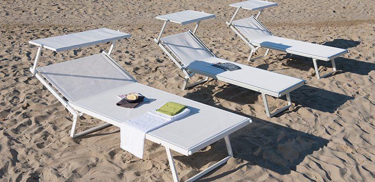 Sdraio Da Spiaggia In Legno.Tutto Per La Spiaggia Forniture Prodotti E Articoli Mare