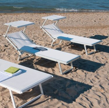 Lettini Da Spiaggia Alluminio.Lettini Da Spiaggia E Mare Professionali