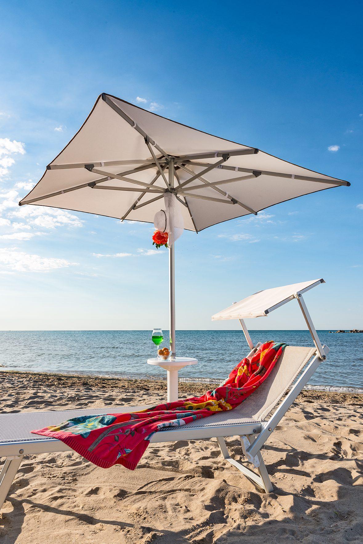 Ombrelloni Per La Spiaggia.Ombrellone Da Spiaggia Picasso Quadrato