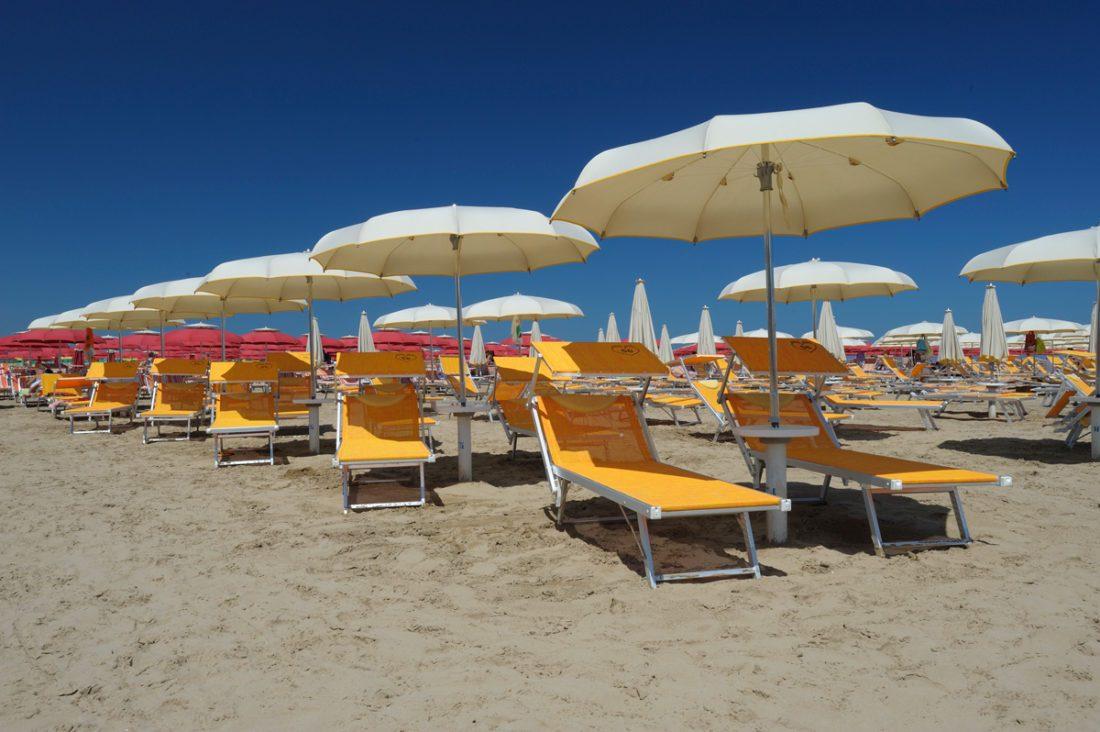 Ombrelloni da spiaggia stecche curve - Tessitura Selva - arredi e attrezzatura da spiaggia, piscina e giardini